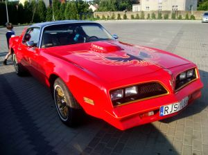 Pontiac_Trans_Am_(2nd_gen)_red1_jaslo